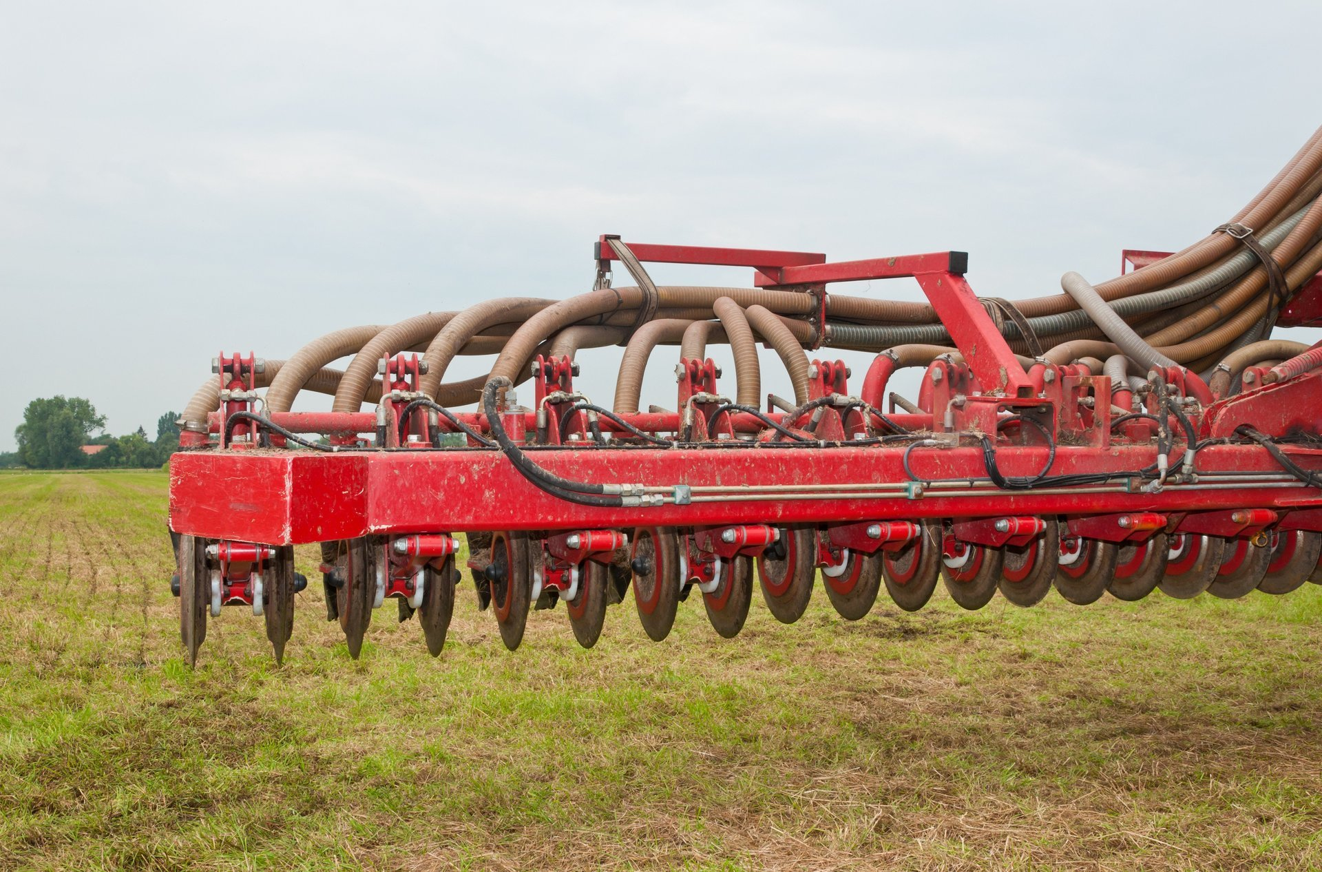 How Injection Manure Tool Bars Help Your Farm